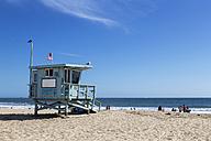 USA, California, Santa Monica, Santa Monica State Beach, Lifeguard's cabin - FOF006927