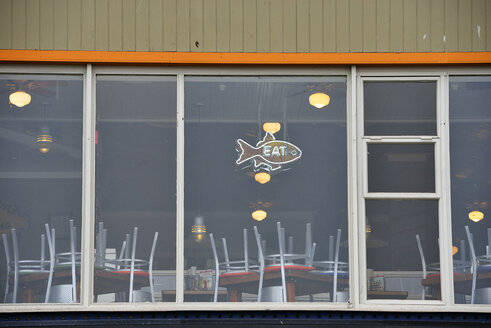 USA, California, San Francisco, front of a fish restaurant - BR000770