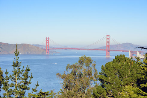 USA, California, San Francisco, view from Lands End to Golden Gate Bridge - BRF000698