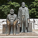 Germany, Berlin, view to Marx-Engels-Monument - WIF001004