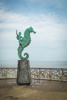 Mexico, Jalisco, Puerto Vallarta, view to sculpture 'El Caballito' at Malecon boardwalk - ABA001464