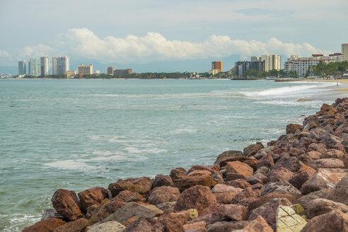Mexico, Jalisco, Puerto Vallarta, view from Banderas Bay to hotel zone - ABAF001467