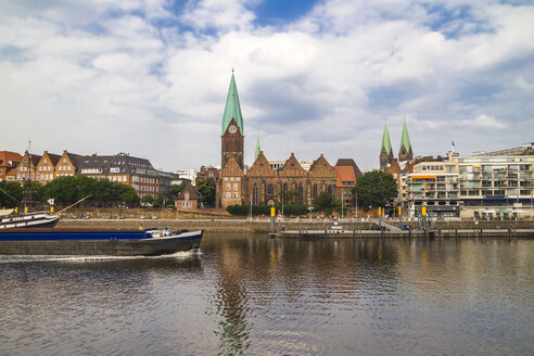 Germany, Bremen, river Weser and old town with Bremen Cathedral and St. Martin's Church - KRPF001089