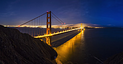 USA, California, San Francisco, skyline and Golden Gate Bridge at the blue hour seen from Hawk Hill - FO007042