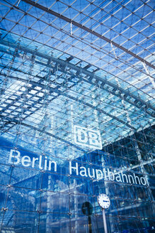 Germany, Berlin, part of glass facade of central station - KRP001105