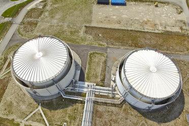 Germany, Bavaria, two oil tanks - KD000021