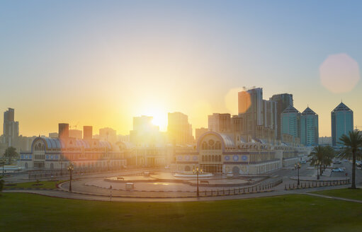 United Arab Emirates, Sharjah, Blue Souk at sunrise - HSIF000353
