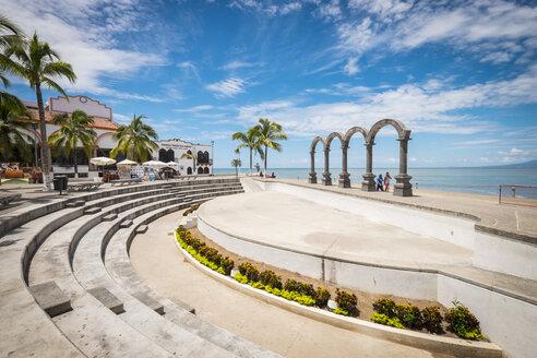 Mexico, Jalisco, Puerto Vallarta, Los Arcos amphitheater - ABAF001482