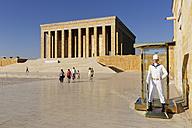 Turkey, Ankara, Anitkabir, Guard in front of Ataturk's Mausoleum - SIE005944