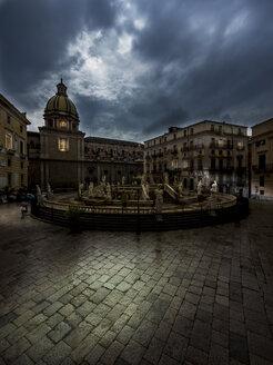 Italy, Sicily, Province of Palermo, Palermo, Piazza Pretoria, Fountain Fontana della Vergogna and Church San Giuseppe dei Teatini in the background - AMF002832