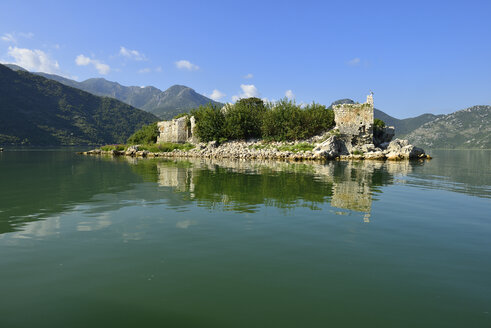 Montenegro, Crna Gora, The Balkans, historic ottoman fortress on Grmozur Island, Skadar Lake National Park - ES001383