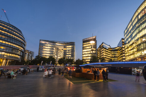 United Kingdom, England, London, More London Riverside and City Hall in the evening light - PAF000939