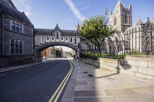 Ireland, County Dublin, Dublin, Dublinia, Wood Quay, Dublinia Museum and Christ Church Cathedral right - THAF000726