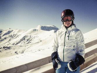 Austria, Salzburger Land, skier in winter landscape - NNF000029
