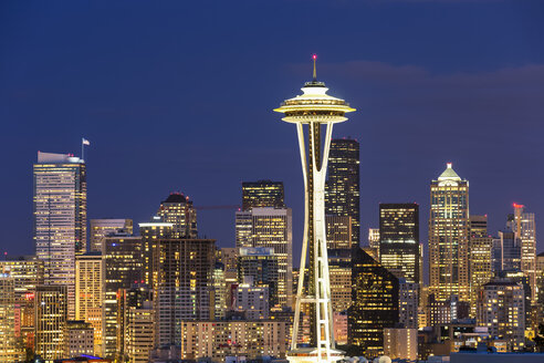 USA, Washington State, skyline of Seattle with Space Needle at blue hour - FOF007105
