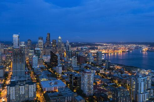 USA, Washington State, Seattle, Cityscape, Blue hour - FOF007128