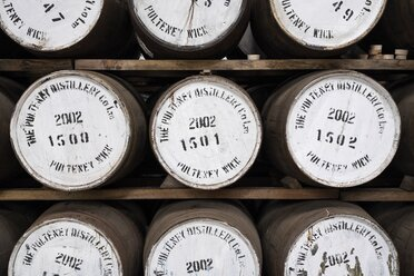 United Kingdom, Scotland, Wick, Distillery Old Pulteney, whisky barrels - EL001364
