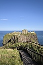 United Kingdom, England, Scotland, Aberdeenshire, Stonehaven, Dunnottar Castle at North Sea Coast - ELF001371