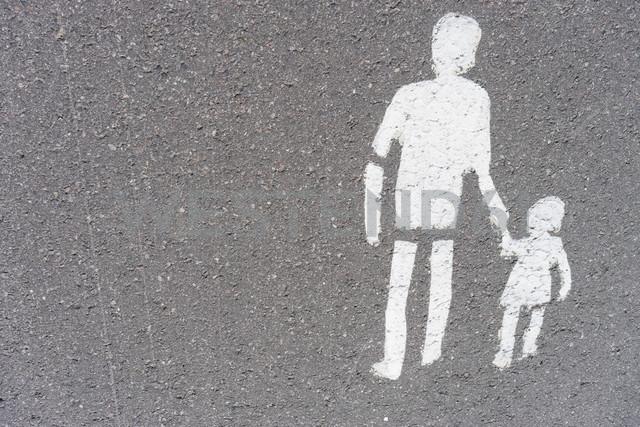 Finland, Helsinki, pedestrian sign painted on pavement - FLF000519