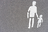 Finland, Helsinki, pedestrian sign painted on pavement - FLF000519