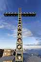 Austria, Upper Austria, Salzkammergut, summit cross on Alberfeldkogel - SIEF006002