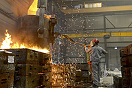 Casting of steel in a foundry - SCH000432