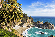 USA, California, Pacific Coast, National Scenic Byway, Big Sur, McWay Falls and McWay Cove, Julia Pfeiffer Burns State Park - FOF007249