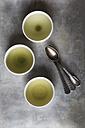 Three tea bowls of Sencha, Gyokuro, Genmaicha and three tea spoons - EVGF000931