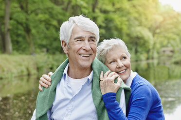 Germany, Hesse, Frankfurt,  Senior couple enjoying nature in park - RORF000030