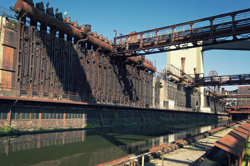 Germany, North Rhine-Westphalia, Essen, Zollverein Coal Mine Industrial Complex, Coking plant - MS004298