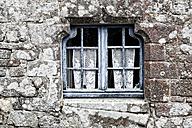 France, Brittany, Locranan, Window of historical building - DSGF000241