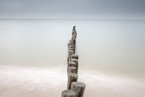 France, Brittany, Breakwater at beach of Calais - DSGF000736