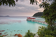 Malaysia, Perhentian Islands, idyllic landscape with wooden pier - DSGF000782