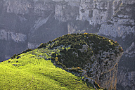 Spain, Ordesa National Park, mountainscape with canyon - DSGF000444