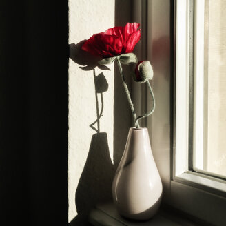 Artificial flower in vase - DRF001133