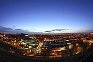 UK, Scotland, Edinburgh, cityscape at blue hour - DLF000021