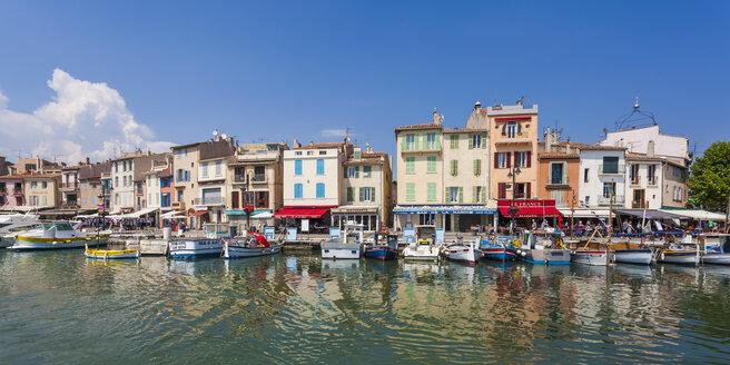 France, Provence-Alpes-Cote d'Azur, Bouches-du-Rhone, Cassis, Harbour, Panorama - WD002667