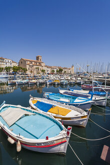 France, Provence-Alpes-Cote d'Azur, Provence, La Ciotat, Harbour and old fishing boats - WD002679