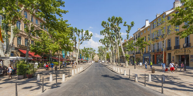 France, Provence, Aix-en-Provence, view to avenue Cours Mirabeau - WDF002704