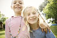 Two happy little girls - FKIF000055