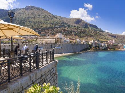 Italy, Sicily, Province of Trapani, Fishing village Castellammare del Golfo - AM003029