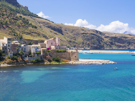 Italy, Sicily, Province of Trapani, Fishing village Castellammare del Golfo - AMF003010