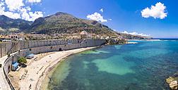 Italy, Sicily, Province of Trapani, Fishing village Castellammare del Golfo, Beach - AMF003007