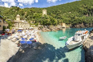 Italy, Liguria, Riviera di Levante, Camogli, Abbey of San Fruttuoso, Beach and ferry - PUF000101