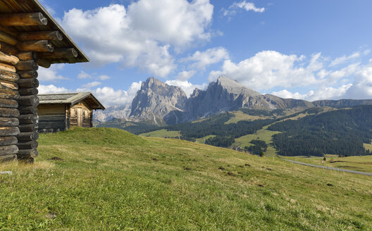 Italy, South Tyrol, Dolomites, Seiser Alm and Langkofel group - RJF000322
