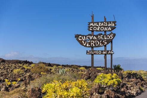 Spain, Canary Islands, Lanzarote, Signpost Malpais de la Corona, Cueva de Los Verdes and Jameos del Agua - AMF002998
