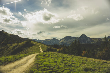 Austria, Tyrol, Tannheimer Tal, hiking trail in mountainscape - UUF002300