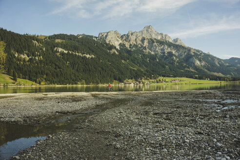 Austria, Tyrol, Tannheimer Tal, mountainscape with lake - UUF002322