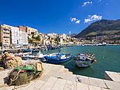 Italy, Sicily, Province of Trapani, Fishing village Castellammare del Golfo, Harbour - AMF003042