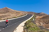 Spain,Canary Islands, Lanzarote, coastal road near Costa Teguise - AM003098